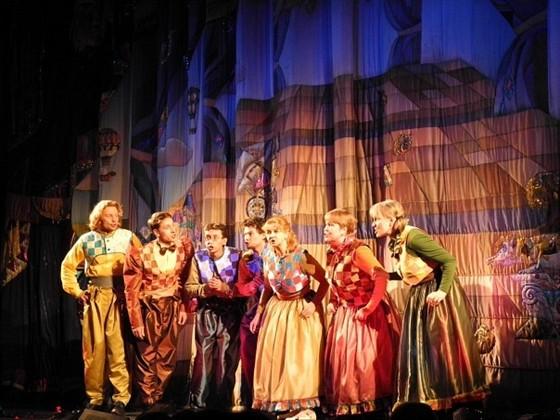 Кукольный театр афиша июль екатеринбург театр чехова в ялте официальный сайт билеты
