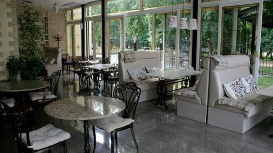 Кафе Веранда в парке. Серпухов Луначарского, 74, в парке им. Олега Степанова